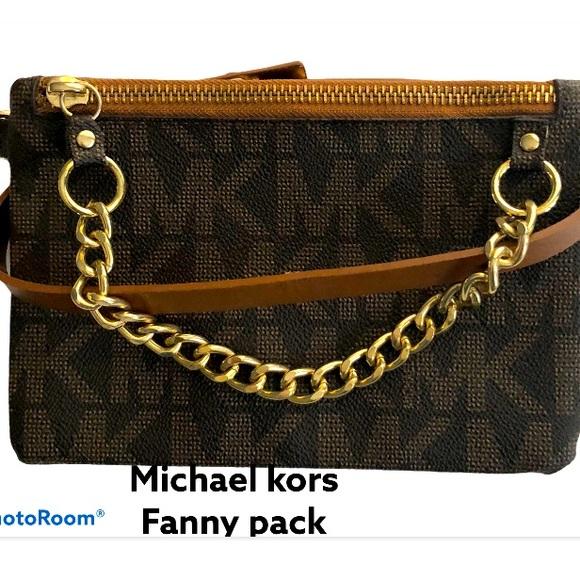 Michael Kors Handbags - 🛑 Michael kors Fanny pack